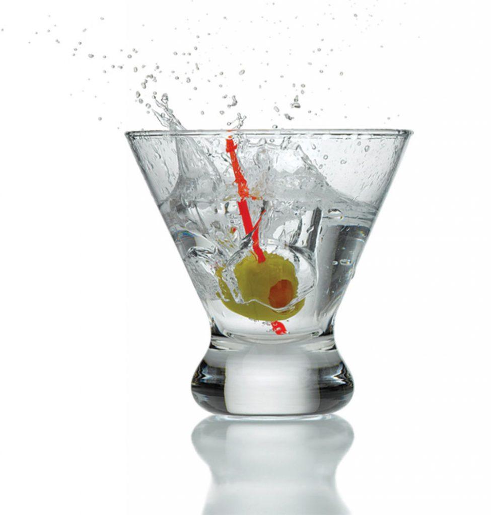 Two martinis splashing