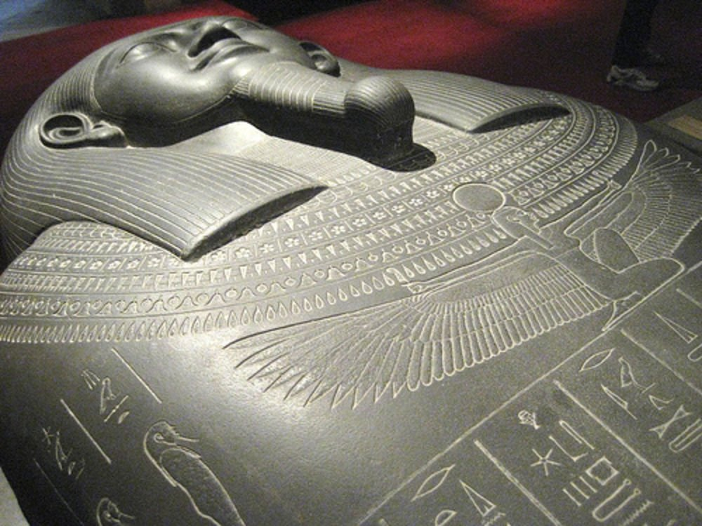 tabni_mummy-sarcophagus-egypt-wikimedia