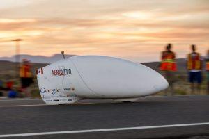 Eta model bisiklet, saatte 144 kilometreye ulaşarak dünya insan gücüyle çalışan araç hız rekorunu kırdı.