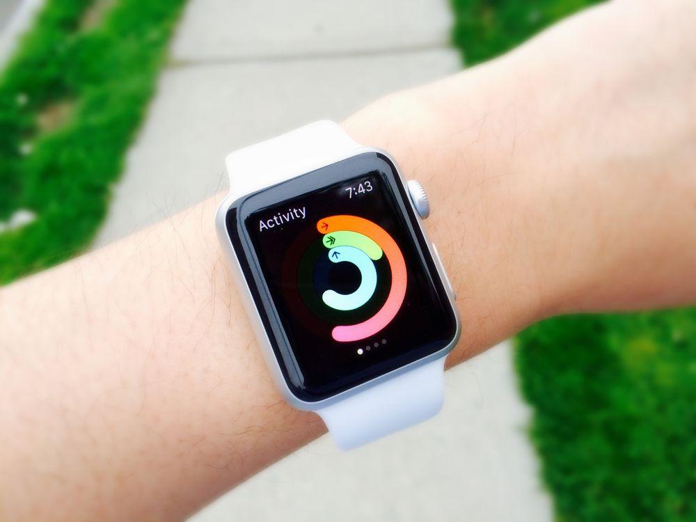 Apple saat Apple saat, Fitbits gibi giyilebilen aygıtlar günümüzde daha yaygın