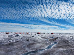 Projedeki bilim insanları bu yaz buz üzerinde sekiz aylık bir kamp geçirdi.