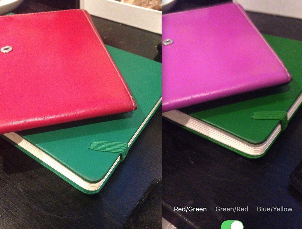 Önce ve sonra: Soldaki resimde, kırmızı ve yeşil objenin kamera ile elde edilen görüntüsü. Sağda, aynı görüntünün Color Binoculars uygulamasının filtresinden geçmiş hali.