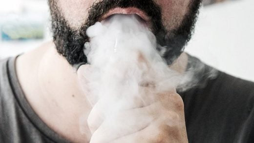 Gizemli Bir Akciğer Hastalığına Ait Yaklaşık 100 Vaka, Elektronik Sigarayla İlişkili Olabilir
