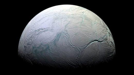 Enceladus'daki Bir Okyanusta Yaşamın Yapı Taşları Ortaya Çıktı