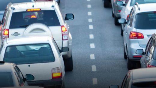 Işıklarda Öndeki Arabayı Yakından Takip Etmek, Sizi Daha Hızlı Götürmüyor