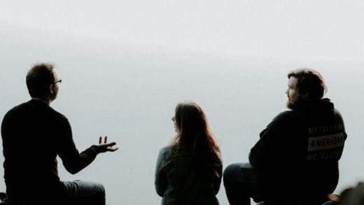 COVID-19 Nefes ve Konuşma Yoluyla Yayılabilir Mi?